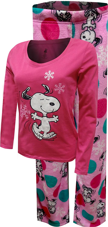 3d16162174 Peanuts Women s Dancing Snoopy Junior Cut Pink Plush Pajama at Amazon  Women s Clothing store