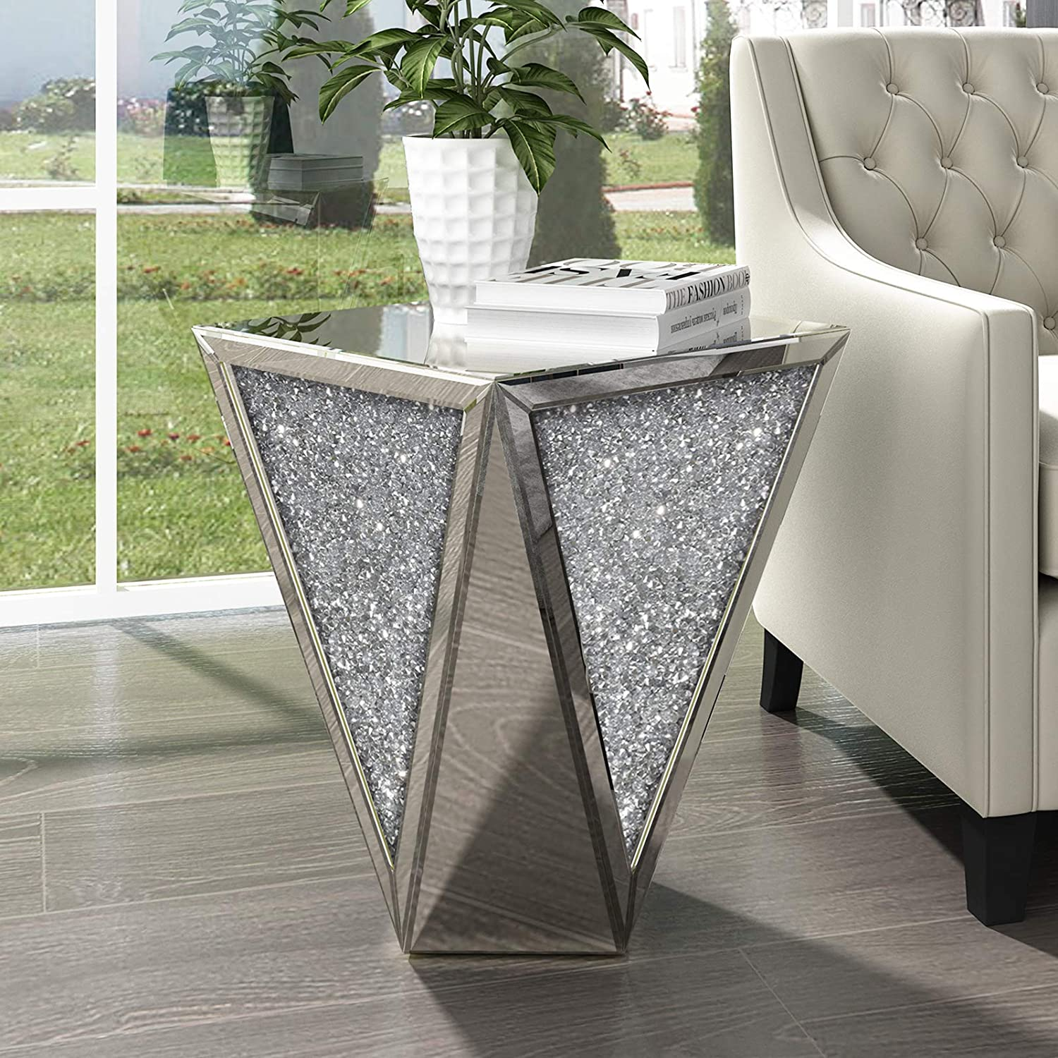 Amazon Com Mirrored End Table Living Room Diamond Setting Side Table Pedestal Stand For Bed Sofa Corner Hallway Kitchen Dining