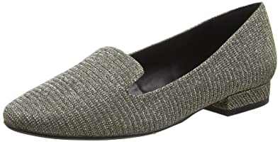 Womens Isabelli Closed-Toe Flats Moda in Pelle