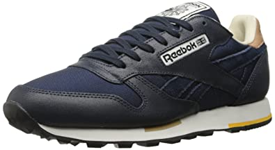 Reebok Men s Classic Leather Casual-m 3d1d936ec