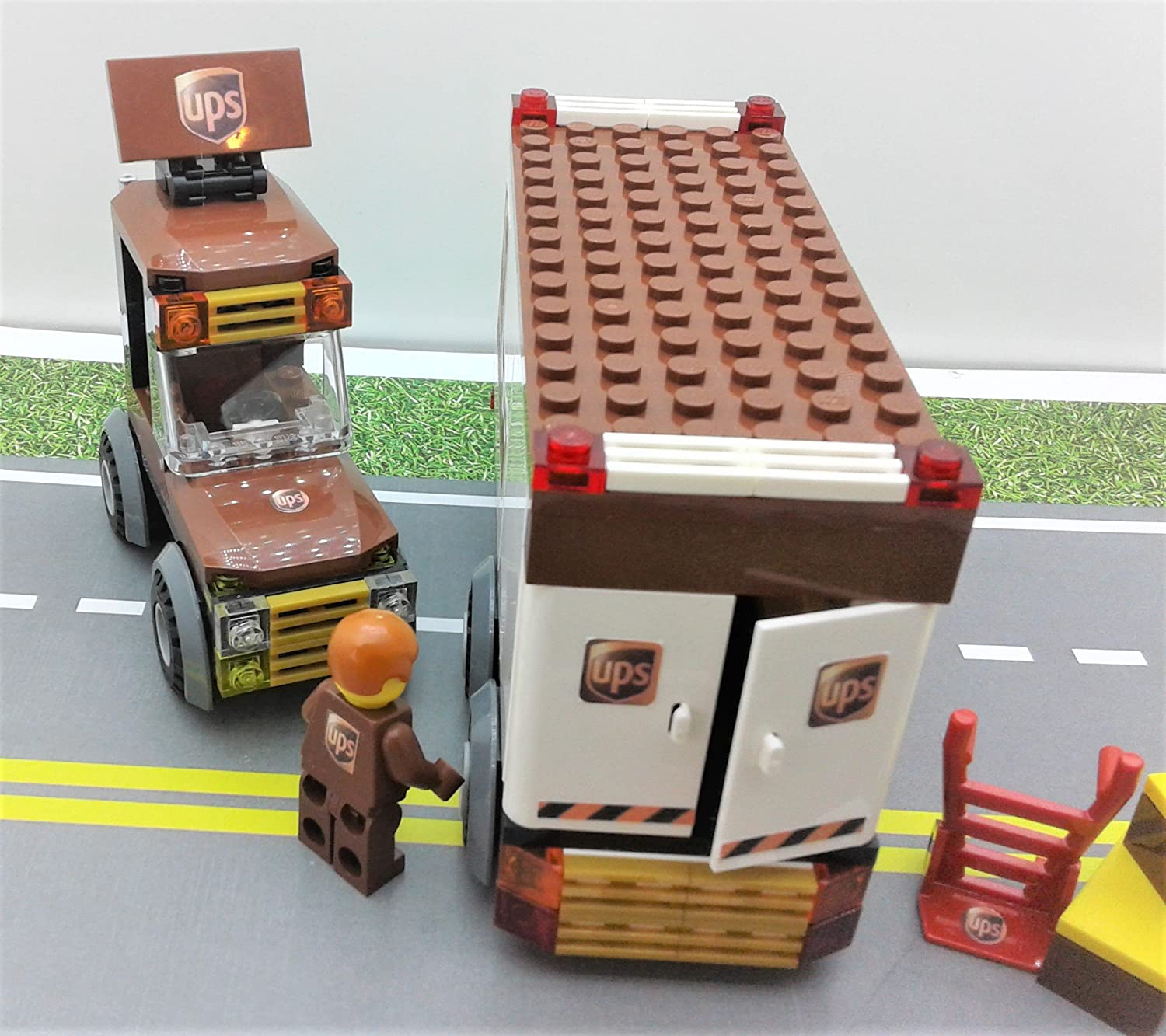 Custom Toys /& Hobbies Ready to Play Building Toys UPS Trailer Great Vehicles /& UPS BOX /& Minifigure