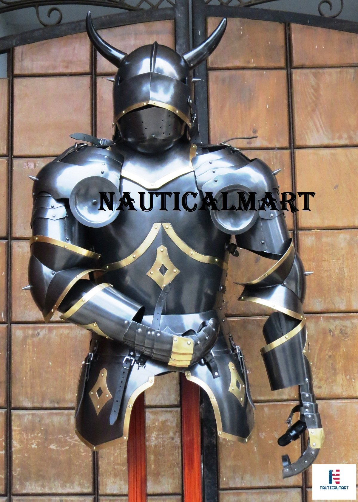NauticalMart Medieval Knight Suit of Armor With horns Body Armour