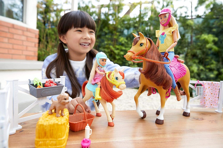 Mattel Barbie Hugs N Horses
