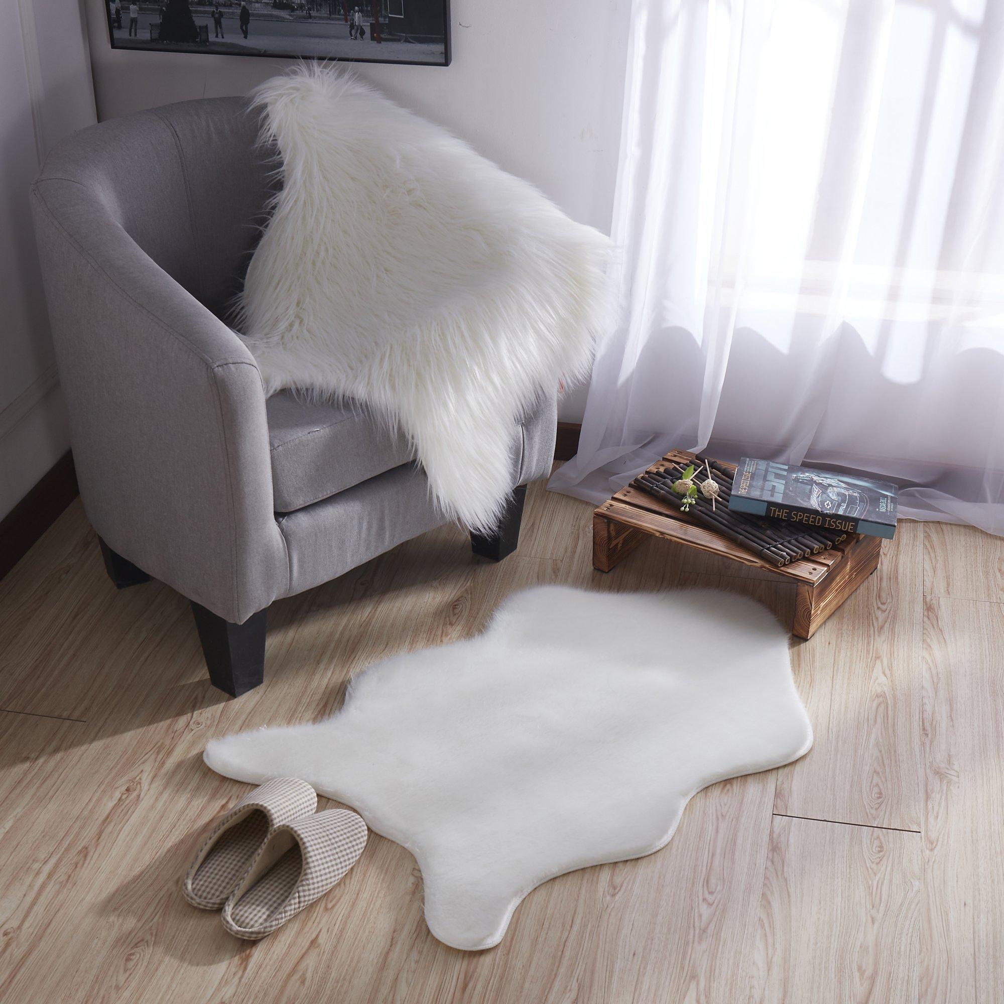 Ottomanson Flokati Short Pile Sheepskin Rug, 2' X 3'3'', White by Ottomanson