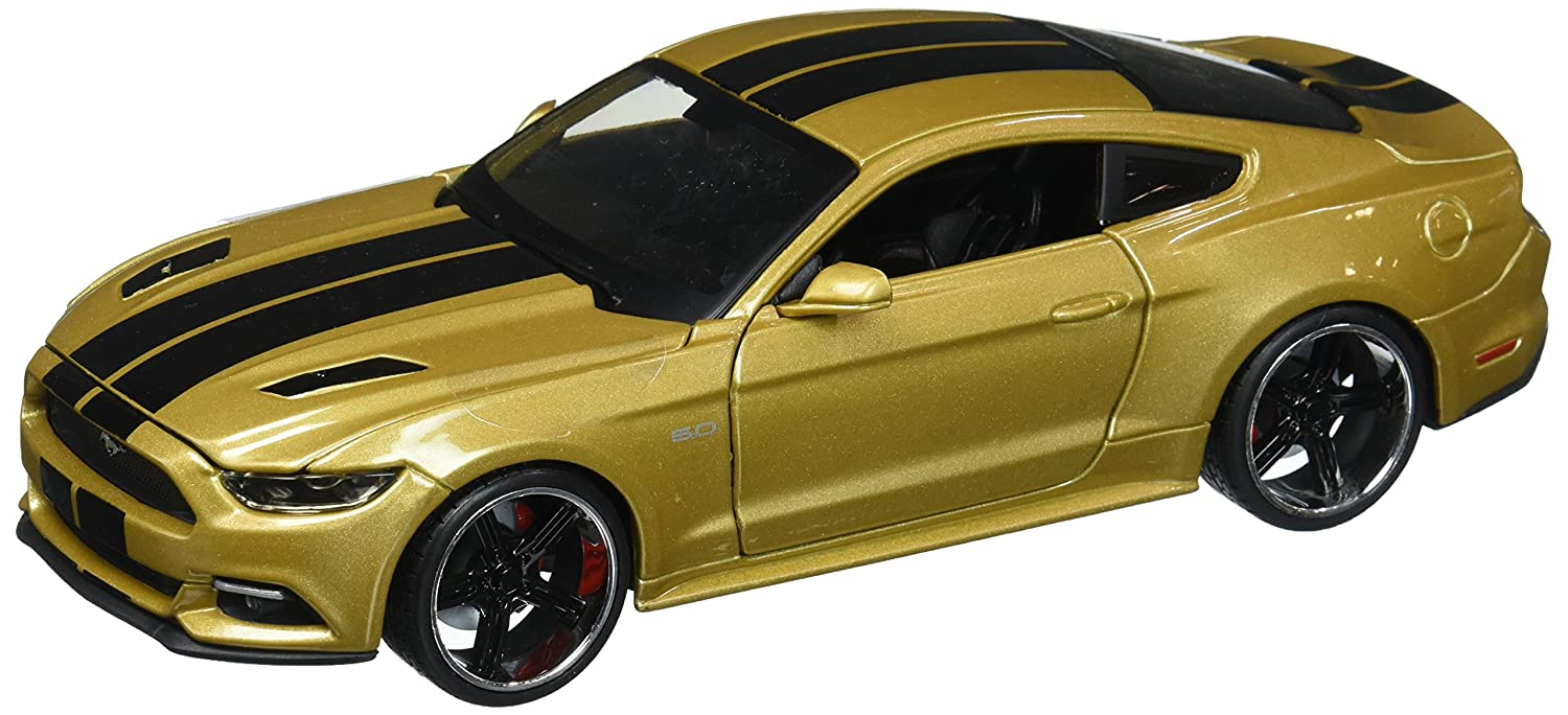Maisto 1 24 W B Classic Muscle 2015 Ford Mustang GT with Black Stripes