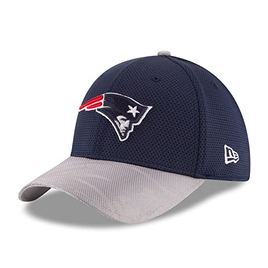 cb194d85175 New Era Men s 2016 NFL Sideline 3930 Patriots Flex Fit Hat Navy Silver Size  Large