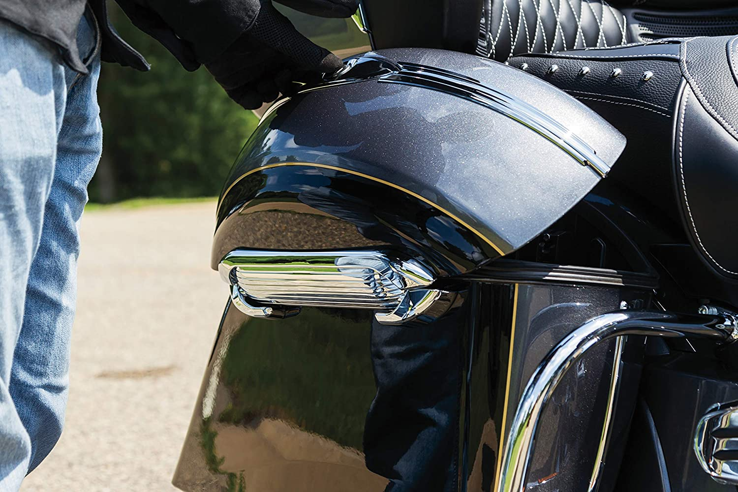 1 Pair Bolt-On Replacement Aluminum Saddlebag Hinges for 2014-19 Indian Motorcycles Satin Black Kuryakyn 5189 Motorcycle Accessory