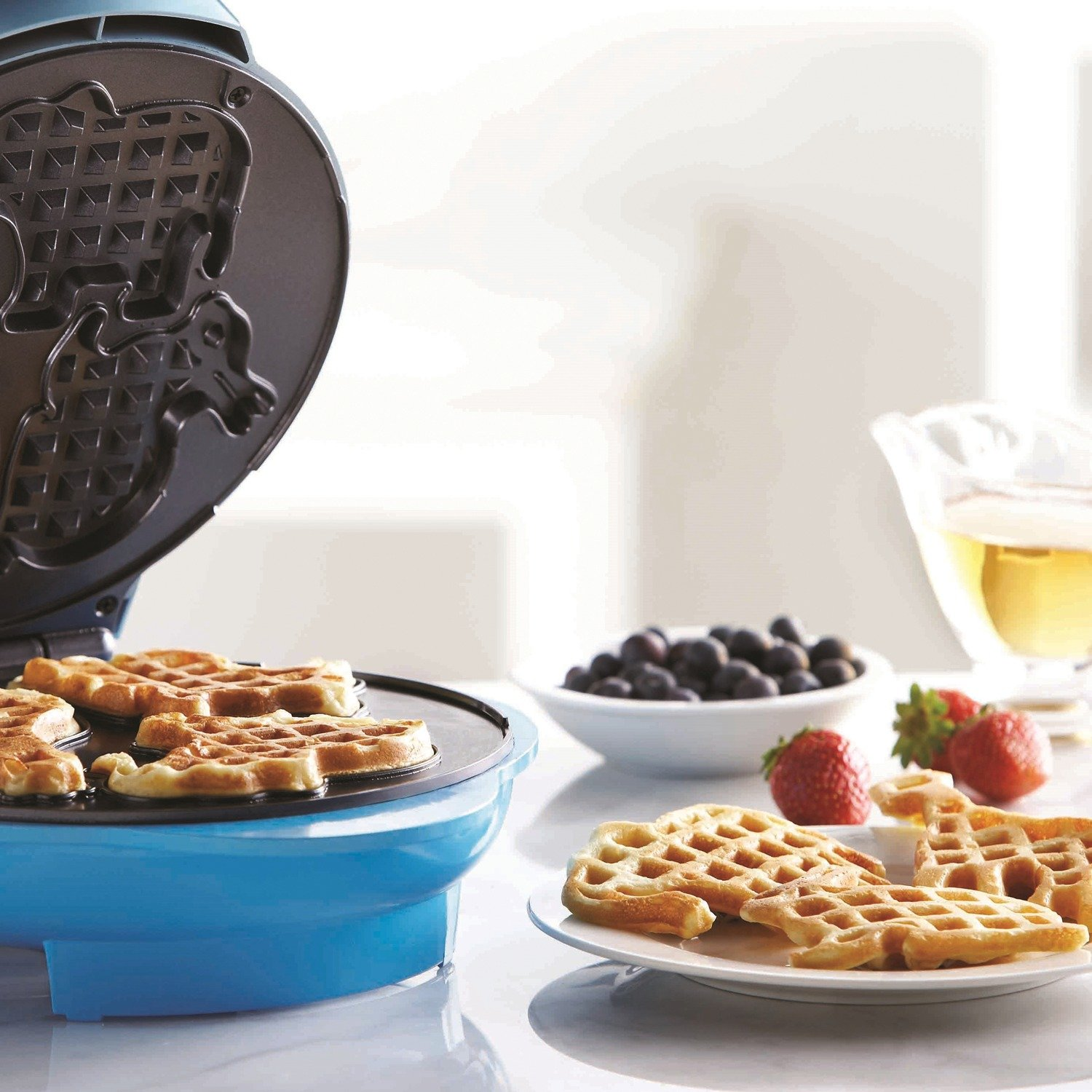 Brentwood TS-253 Appliances Electric Food Maker-Animal-Shapes Waffle Maker, Blue by Brentwood (Image #4)