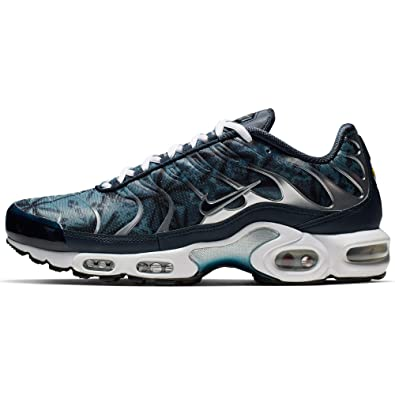 low priced f2ecf 4a1dc Amazon.com | Nike Air Max Plus TN SE Blue/Navy/White | We ...