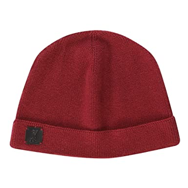 d0fc4281c57 Amazon.com  Liverpool FC Red Football Signature Beanie AW 18 19 LFC  Official  Clothing