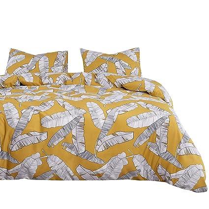 Amazon.com: Wake In Cloud   Yellow Comforter Set, Banana Tree