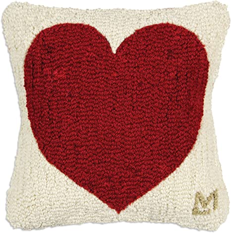Amazon Com Chandler 4 Corners Artist Designed Red Heart Hand Hooked Wool Decorative Throw Pillow 14 X 14 Home Kitchen