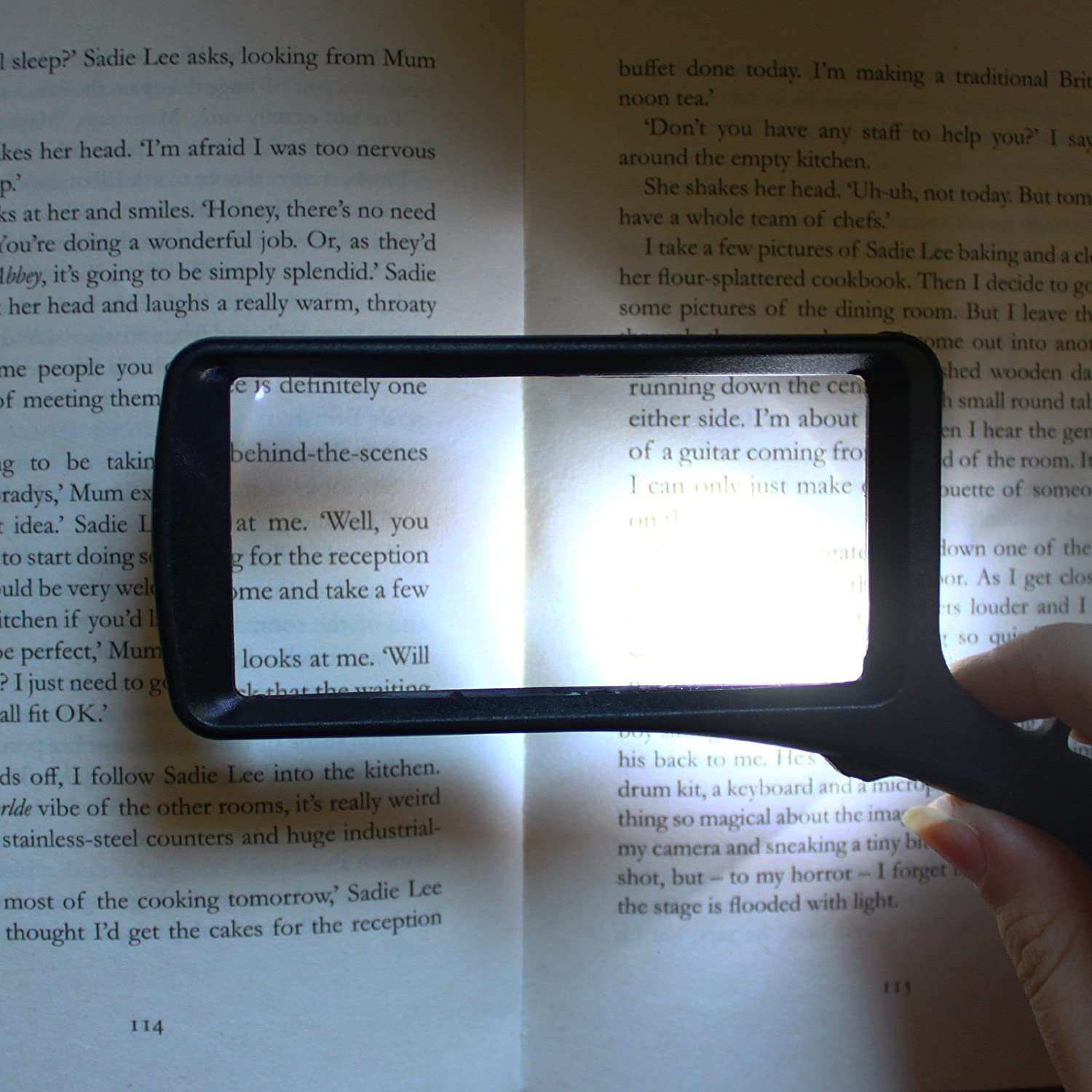 Reading Magnifying Glass for Books Newspaper Jewellery Work Coin Examining /& more Handheld Magnifier with 6 x and 2 x Lens LED Rectangle Magnifying Glass with light by Kovira Magnifier Glass