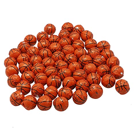 Pelotas de baloncesto de chocolate envueltas en papel de ...