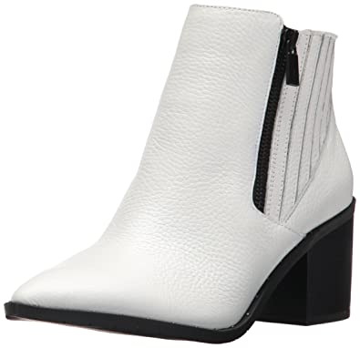 Women's Cue up Block Heel Bootie Pointed Toe Embossed Ankle Boot