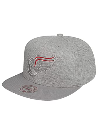 356aa2a7c24 Mitchell   Ness Men Caps Snapback Cap Waffle Detroit Red Wings Grey  Adjustable