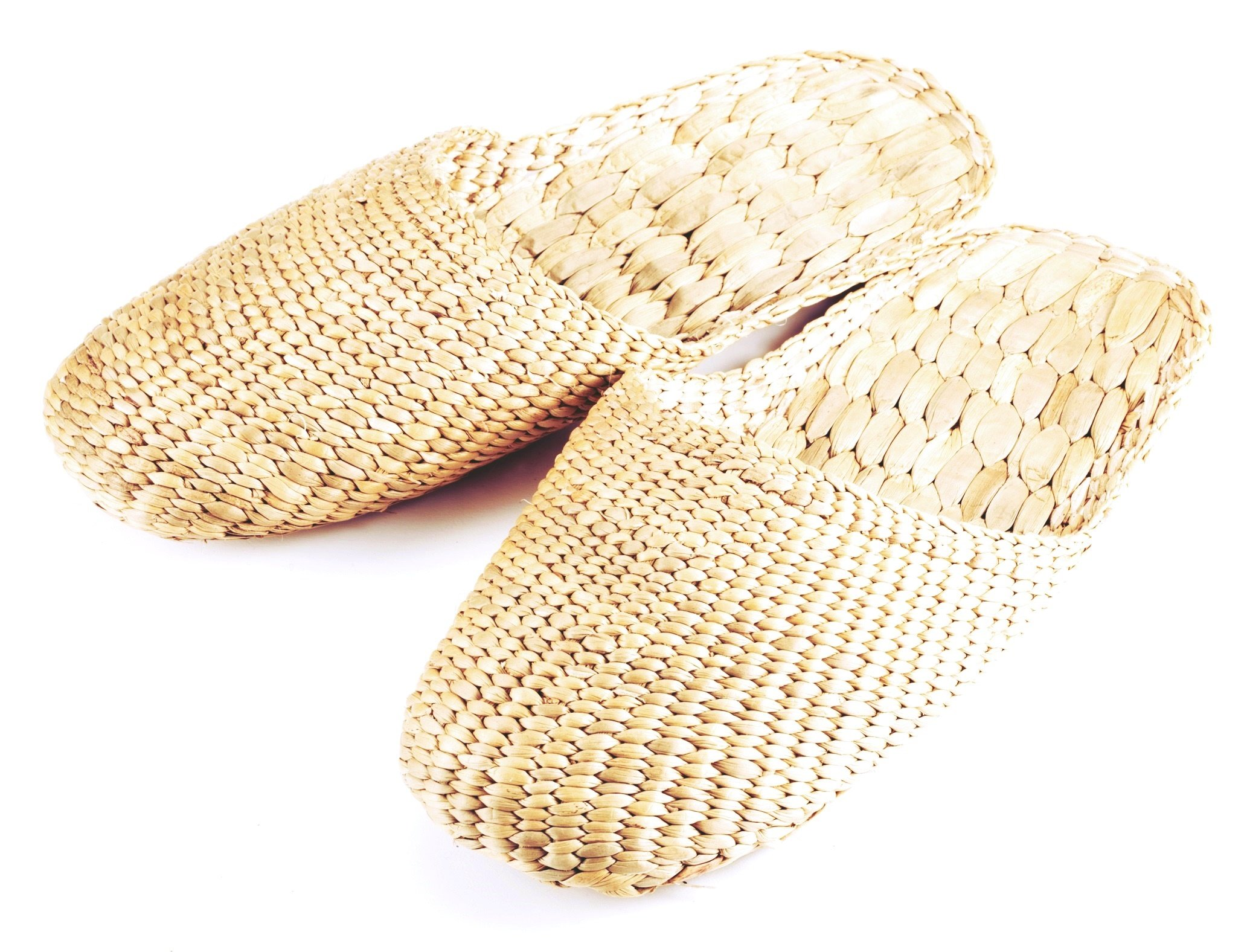 Gaia Guy 100% Natural Handmade Sandals/Slippers for Men and Ladies - Hand Woven Water Hyacinth - Knitted Style Medium (L10 x 3.5'' Approx.)