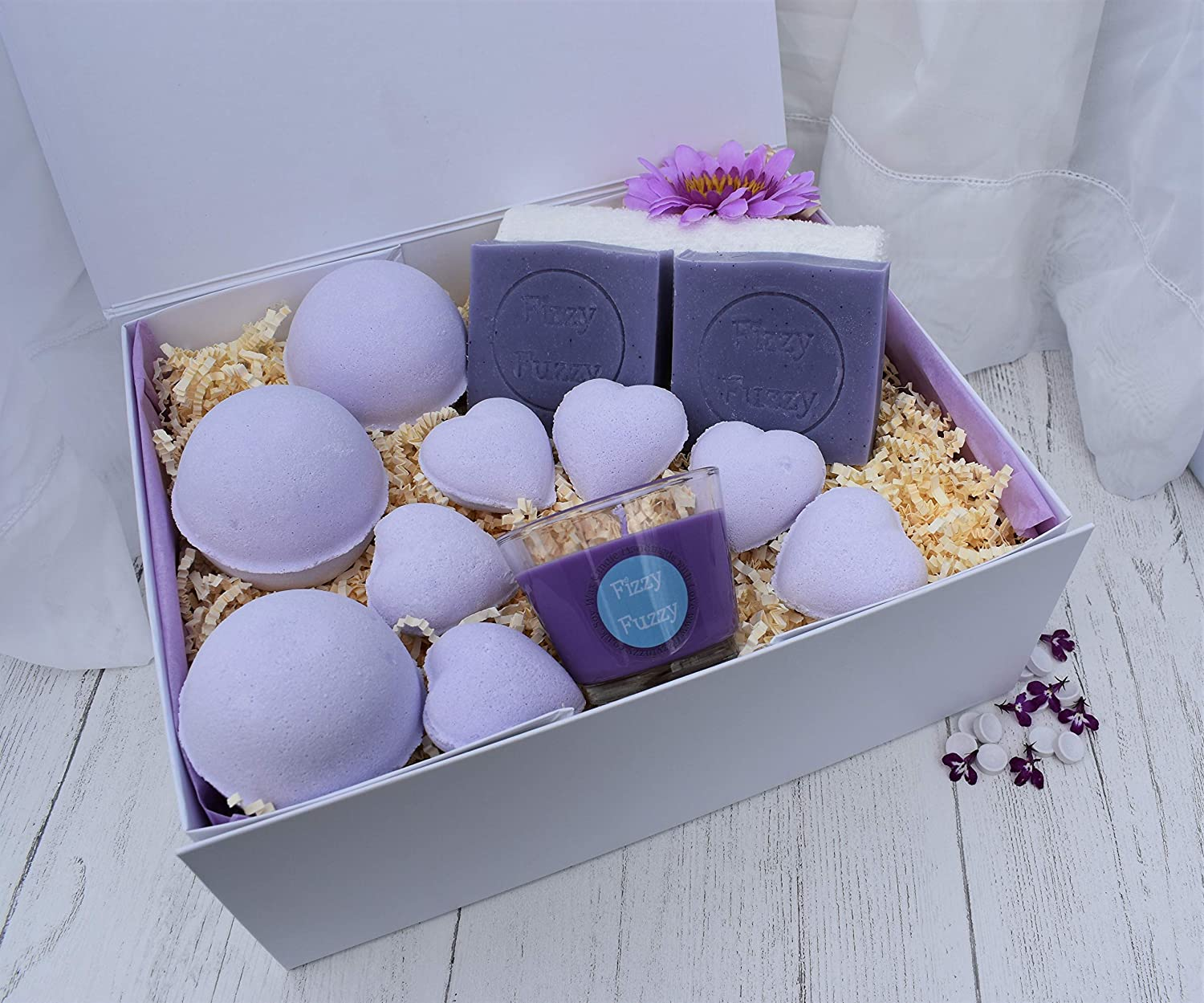 Parma Violet Deluxe Gift Set Bath Bombs, Soap, Candle.Handmade by Fizzy Fuzzy.