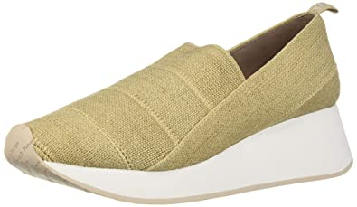 07402a3270e1 Amazon.com  Donald J Pliner Women s Piper-le Sneaker  Shoes