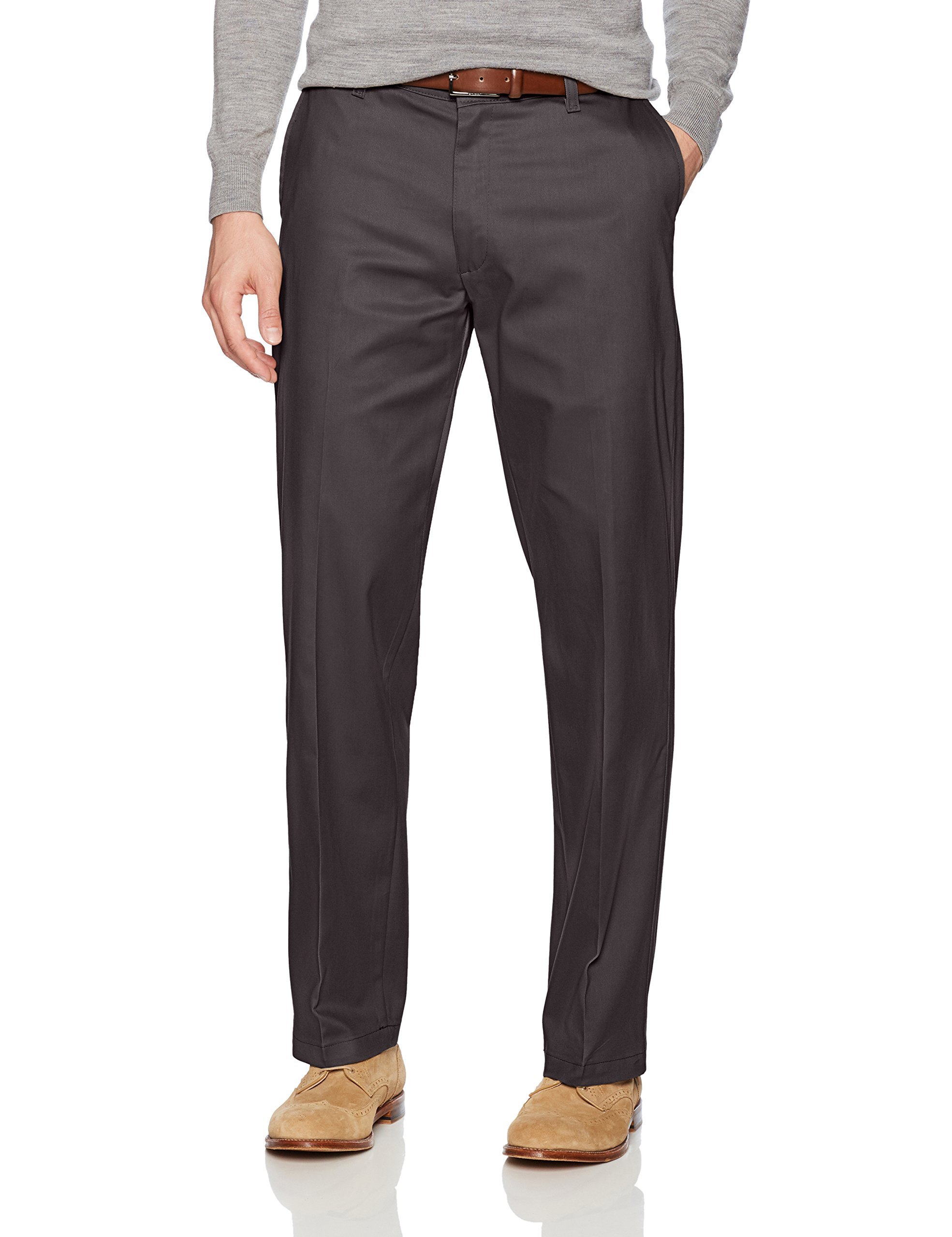 LEE Men's Total Freedom Stretch Relaxed Fit Flat Front Pant, Charcoal, 32W x 30L