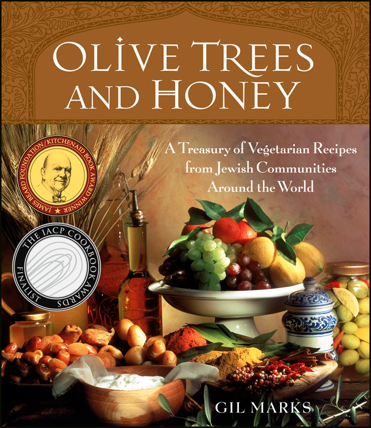 Olive trees and honey a treasury of vegetarian recipes from olive trees and honey a treasury of vegetarian recipes from jewish communities around the world gil marks 9780764544132 amazon books forumfinder