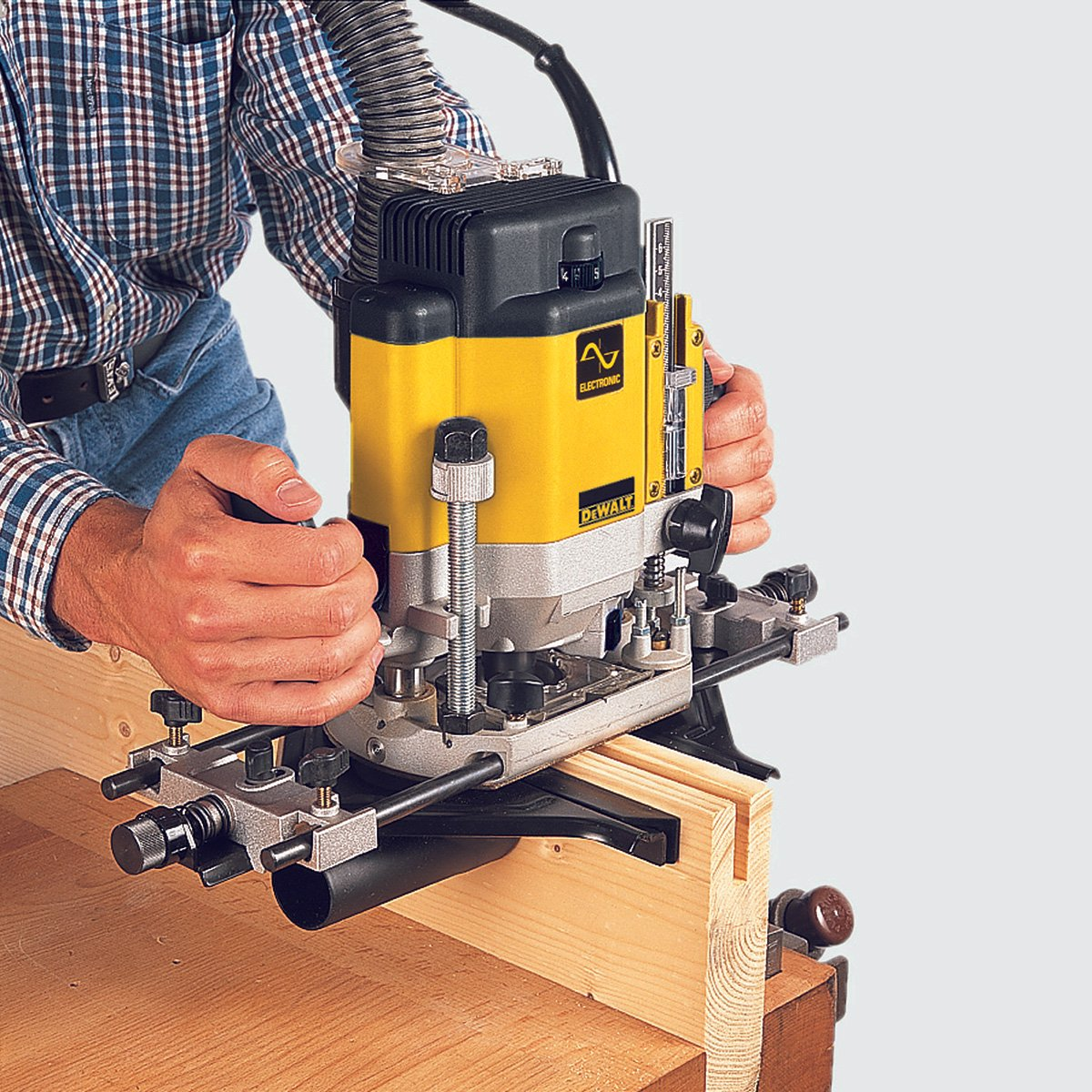 Dewalt dw625 3 horsepower variable speed electronic plunge router dewalt dw625 3 horsepower variable speed electronic plunge router power routers amazon greentooth Gallery