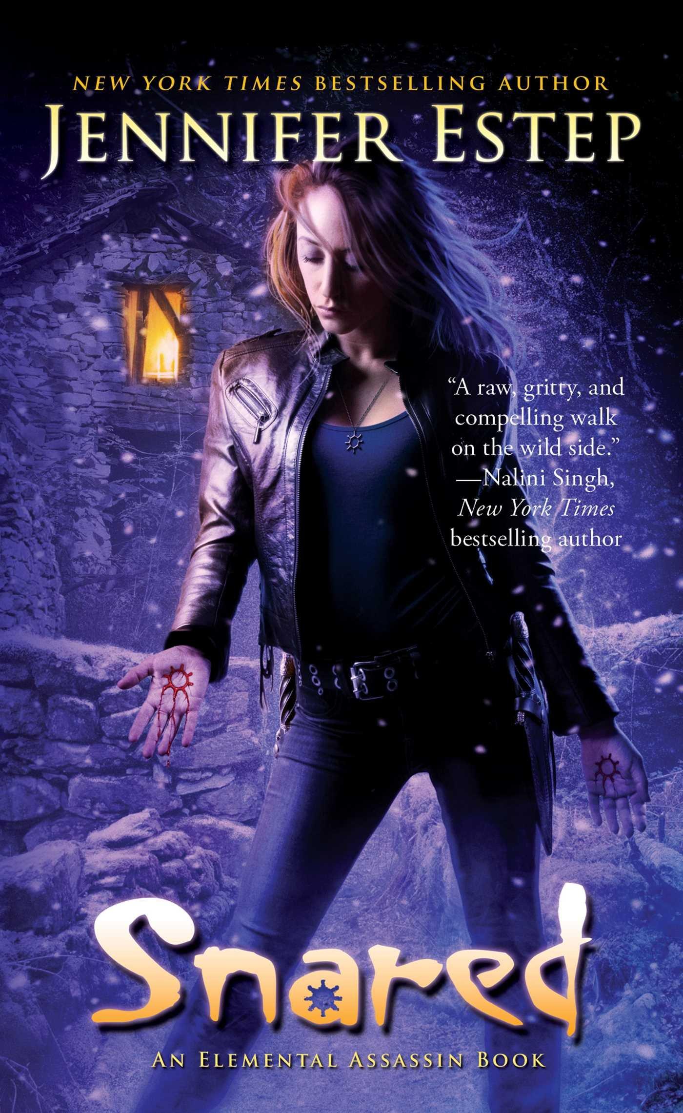 Snared (elemental Assassin): Jennifer Estep: 9781501142277: Amazon:  Books