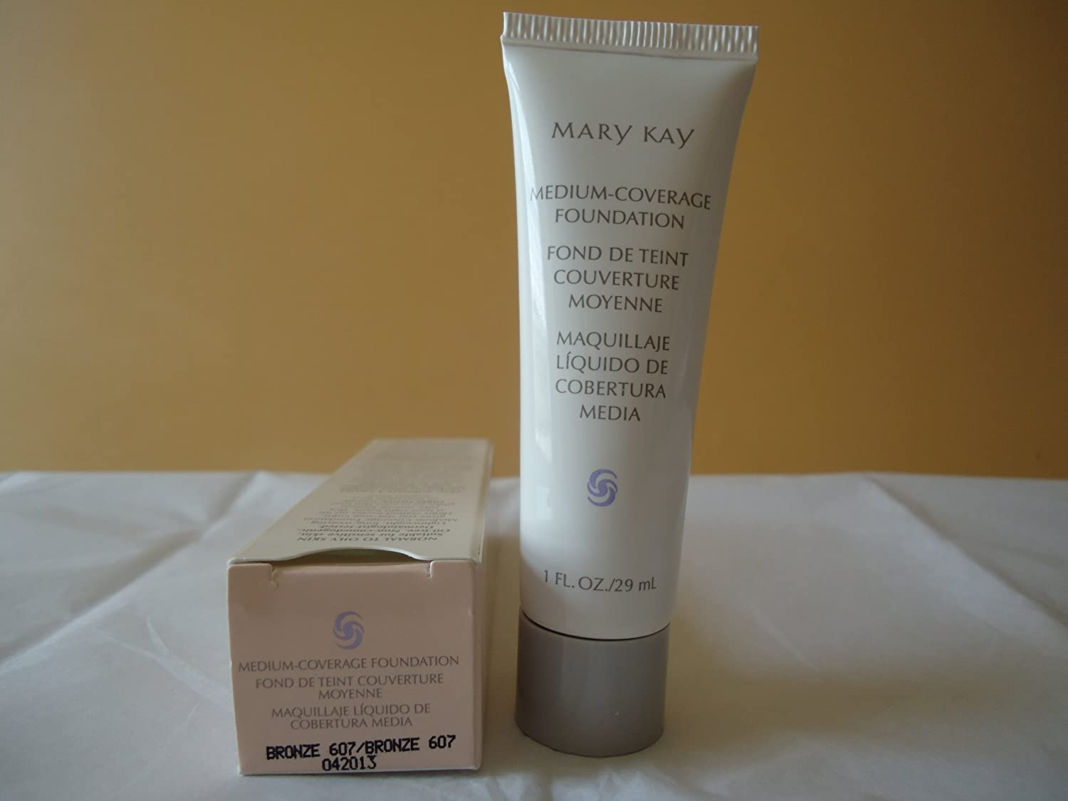 Mary Kay Medium Coverage Foundation Bronze 607