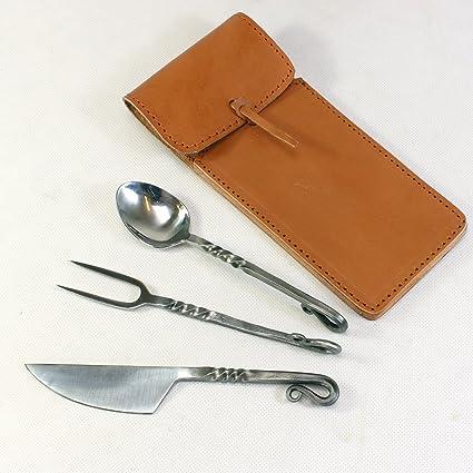 La edad media cubiertos cuchillo, cuchara y tenedor de piel ...