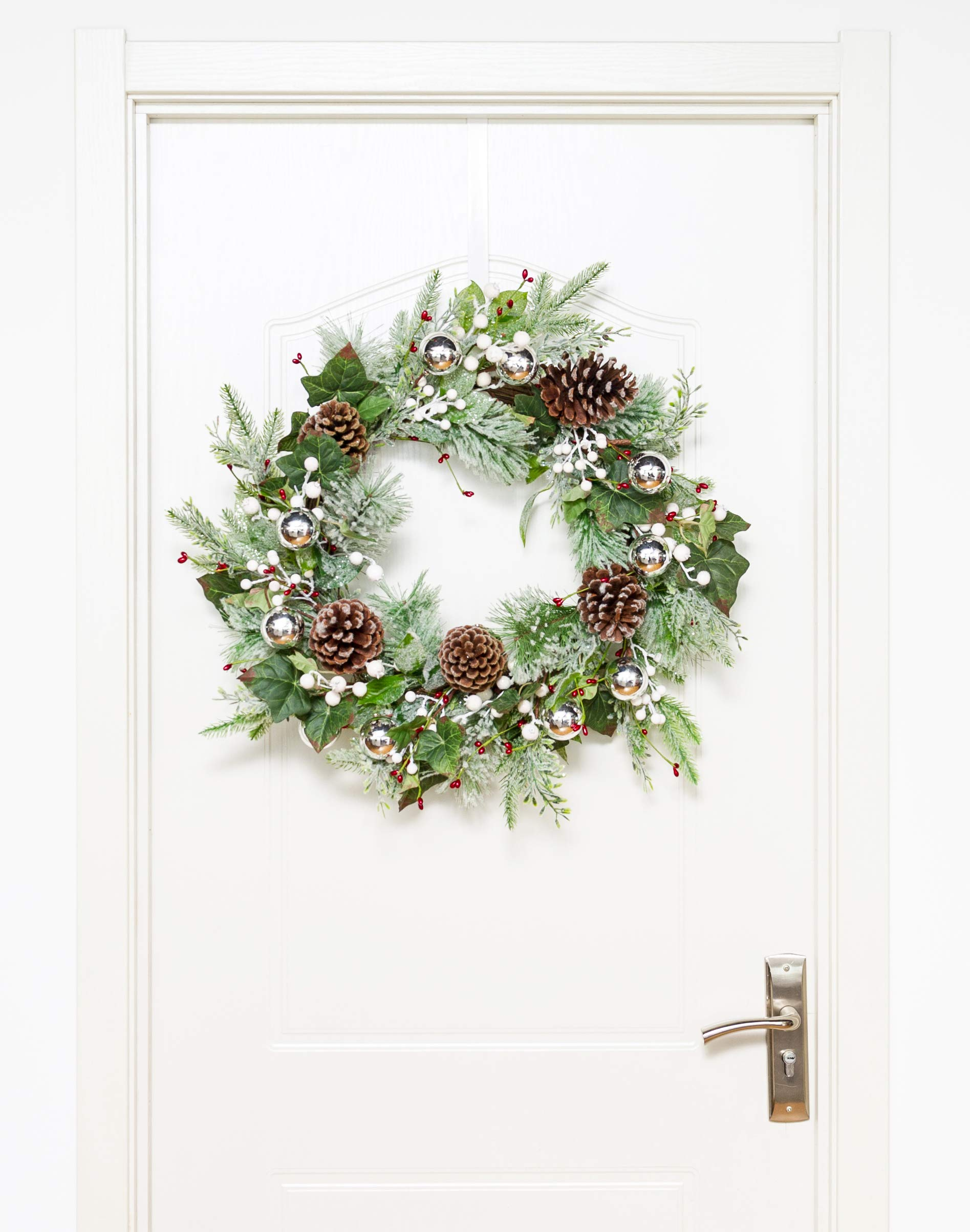 SARO LIFESTYLE WR920.G Artificial White Berry Frosted Leaf Branch Wreath 22 x 22 Green
