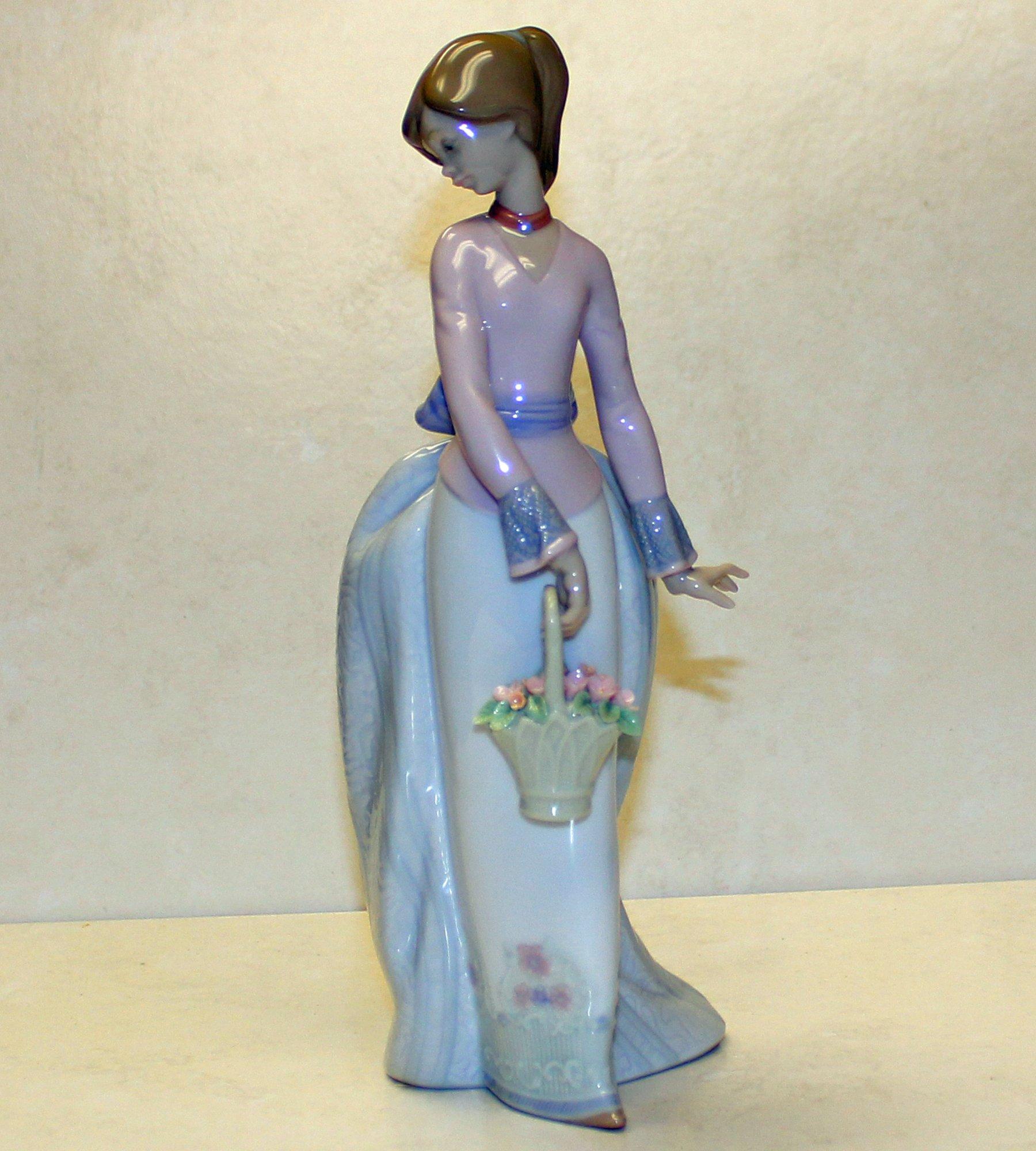 Lladro Basket of Love Figurine Glazed