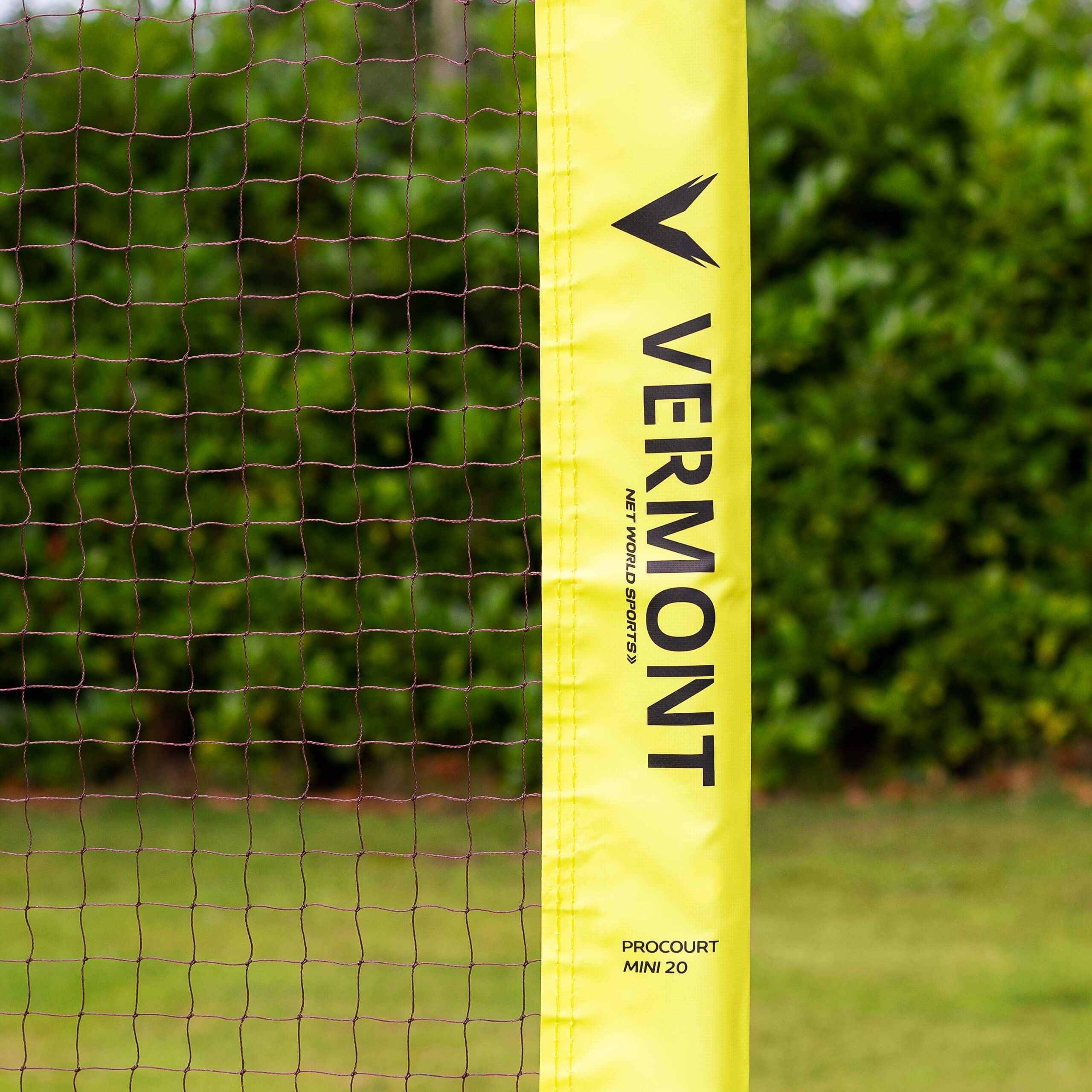 ProCourt Vermont Combi Net | Perfect for Tennis, Badminton, Pickleball, Volleyball & Soccer Tennis | Super Quick Assembly with Steel Poles | Use Indoors, Outdoors, On The Beach Or The Backyard! by ProCourt (Image #5)