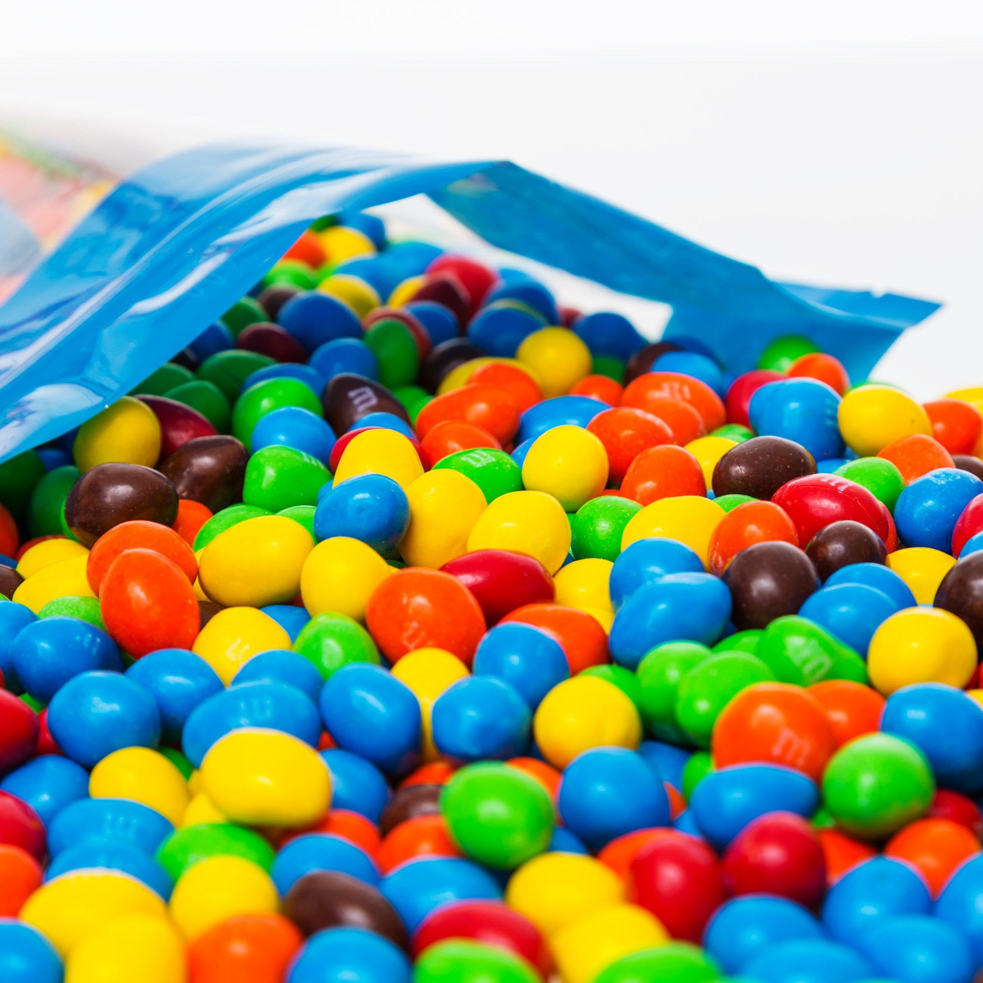 Bulk Peanut M&Ms in Resealable Bomber Bag, Wholesale Chocolate & Peanut Candy (5lb Bag) by Fast Fresh Nuts (Image #3)