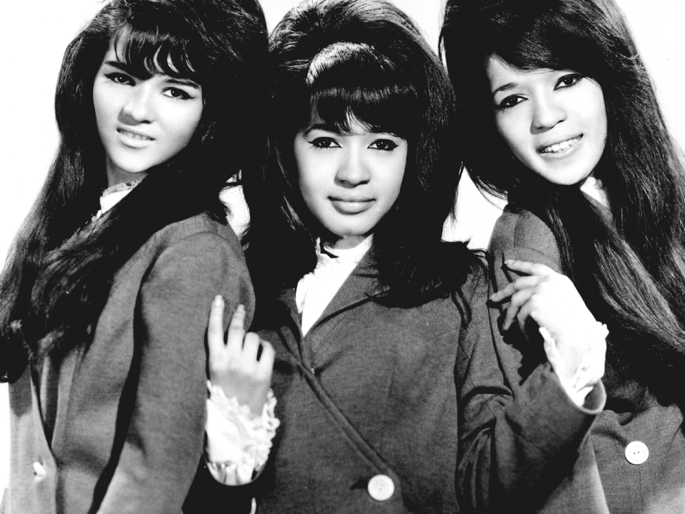 Amazon.com: Ronettes: Songs, Albums, Pictures, Bios