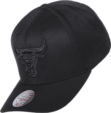 643d9785024 Mitchell   Ness Men Caps Snapback Cap 110 NBA Chicago Bulls Black Adjustable