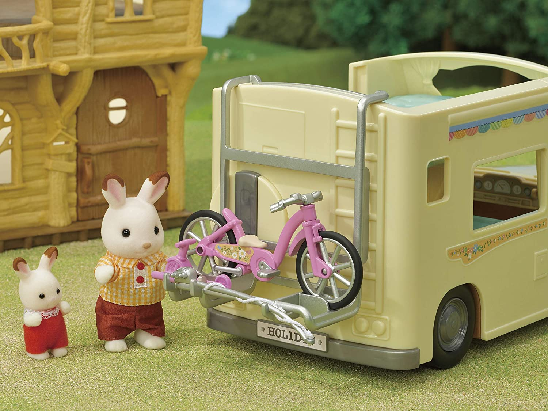 Amazon Com Sylvanian Families 5454 Family Campervan Vehical Playset Toys Games