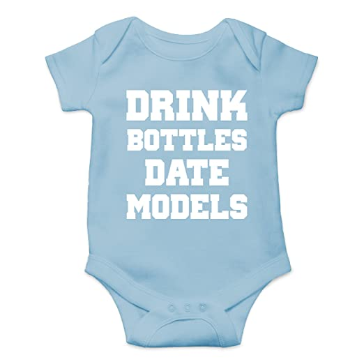 b5e008b0867a Amazon.com  CBTWear Drink Bottles Date Models - Tit Faced Funny Newborn  Romper Cute Novelty Infant One-Piece Baby Bodysuit  Clothing