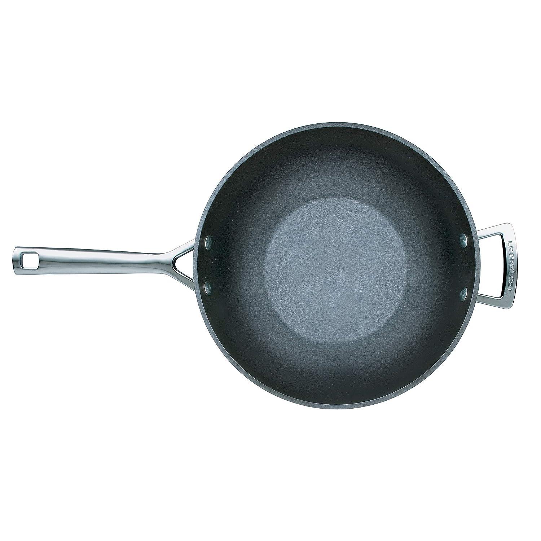 Anthracite//Argent/é y Compris Induction Le Creuset /Ø 26 cm Sans PFOA Po/êle Wok Anti-Adh/érente en Aluminium Forg/é Compatible avec Toutes Sources de Chaleur