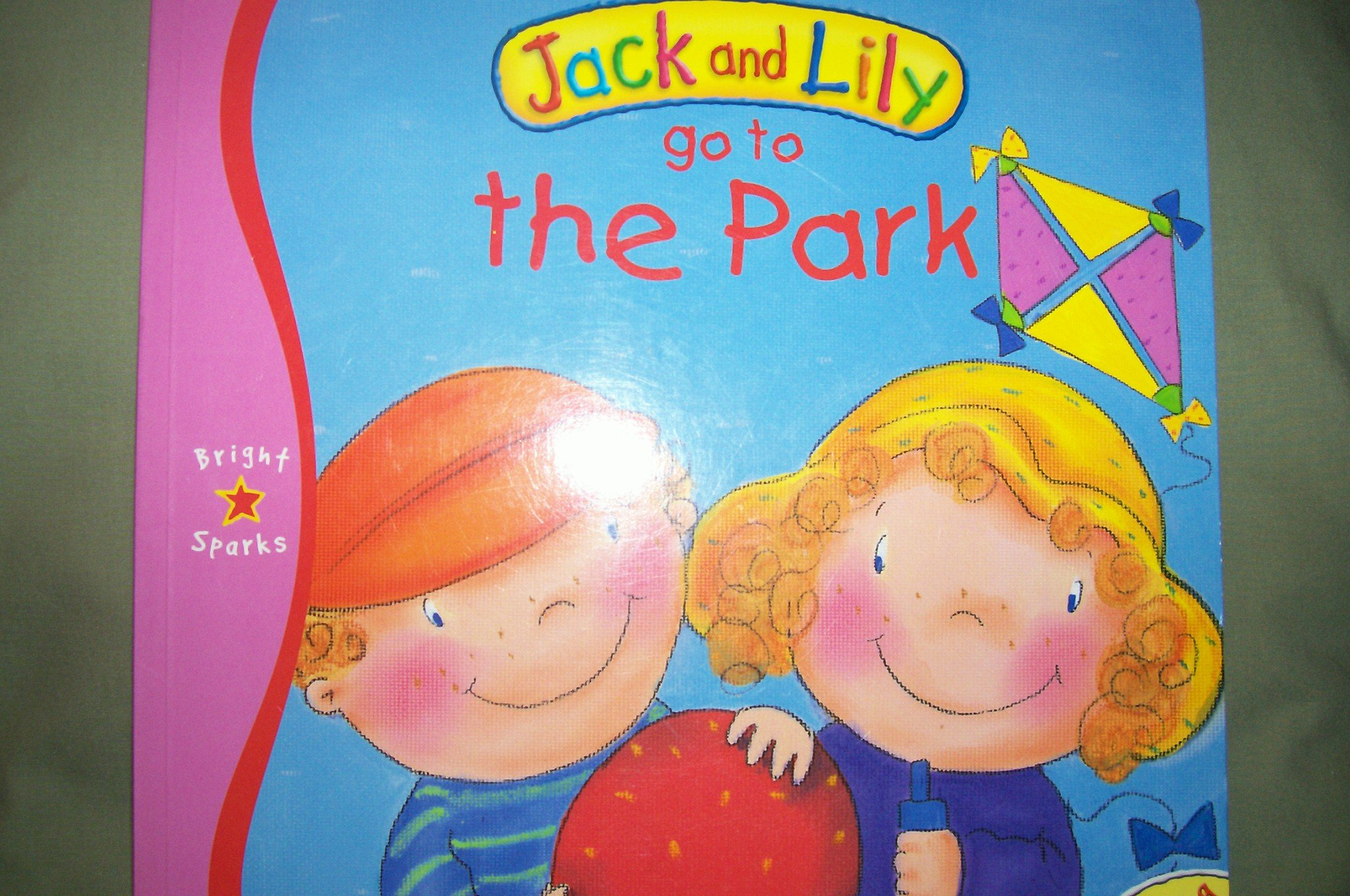Jack and Lily Go to the Park (Bright Sparks) pdf