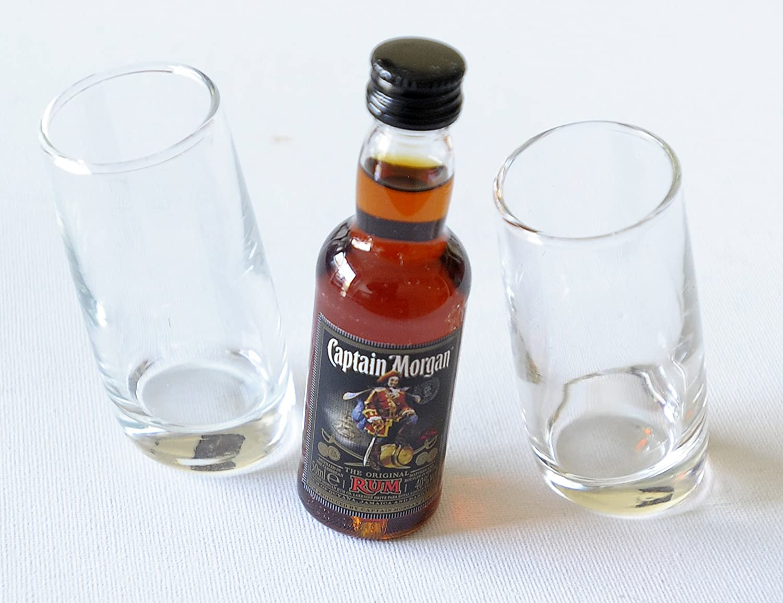 Par de Ludico inclinado vasos de chupito (60 ml) con Capitán ...