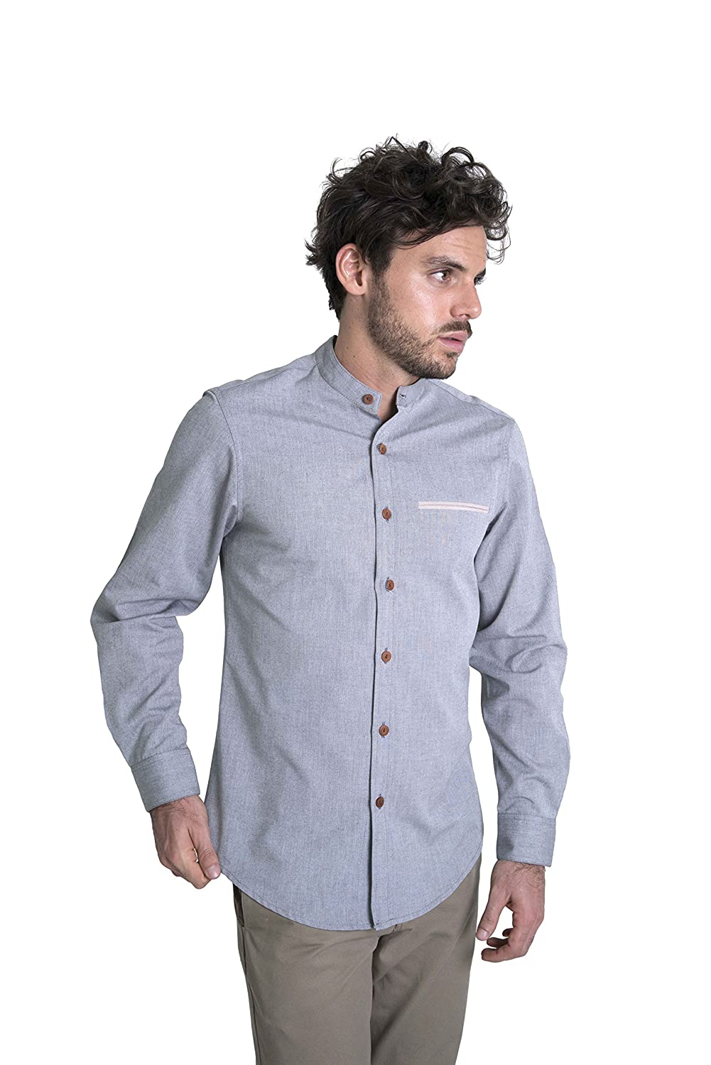 e876226d024f5c ... This shirt adapts perfectly to your body shape without being too tight