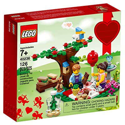 Lego 40236 Romantic Valentine Picnic 126 pcs: Toys & Games