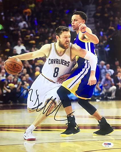 0011eacb666 Autographed Matthew Dellavedova Photo - 11x14 AA11146 - PSA DNA Certified -  Autographed NBA Photos