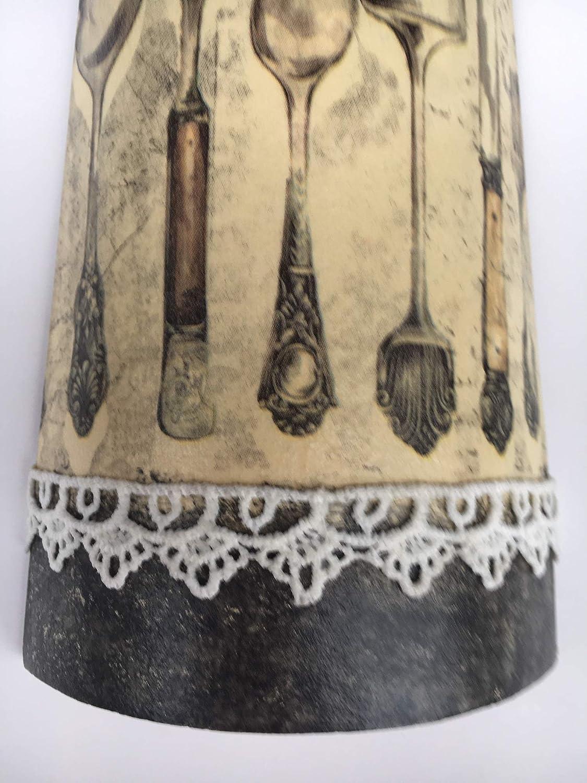 teja decorativa para la cocina con adorno de cubiertos