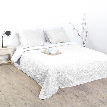 Set Bett Gesteppt 1 Tagesdecke Mit 2 Kissen Weich Und Warm