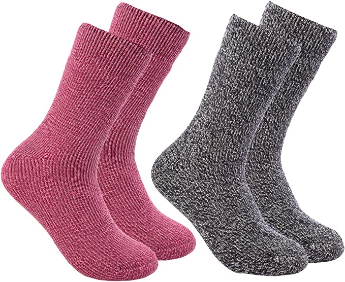 9 Best Thermal Socks For Extreme Cold Review 2