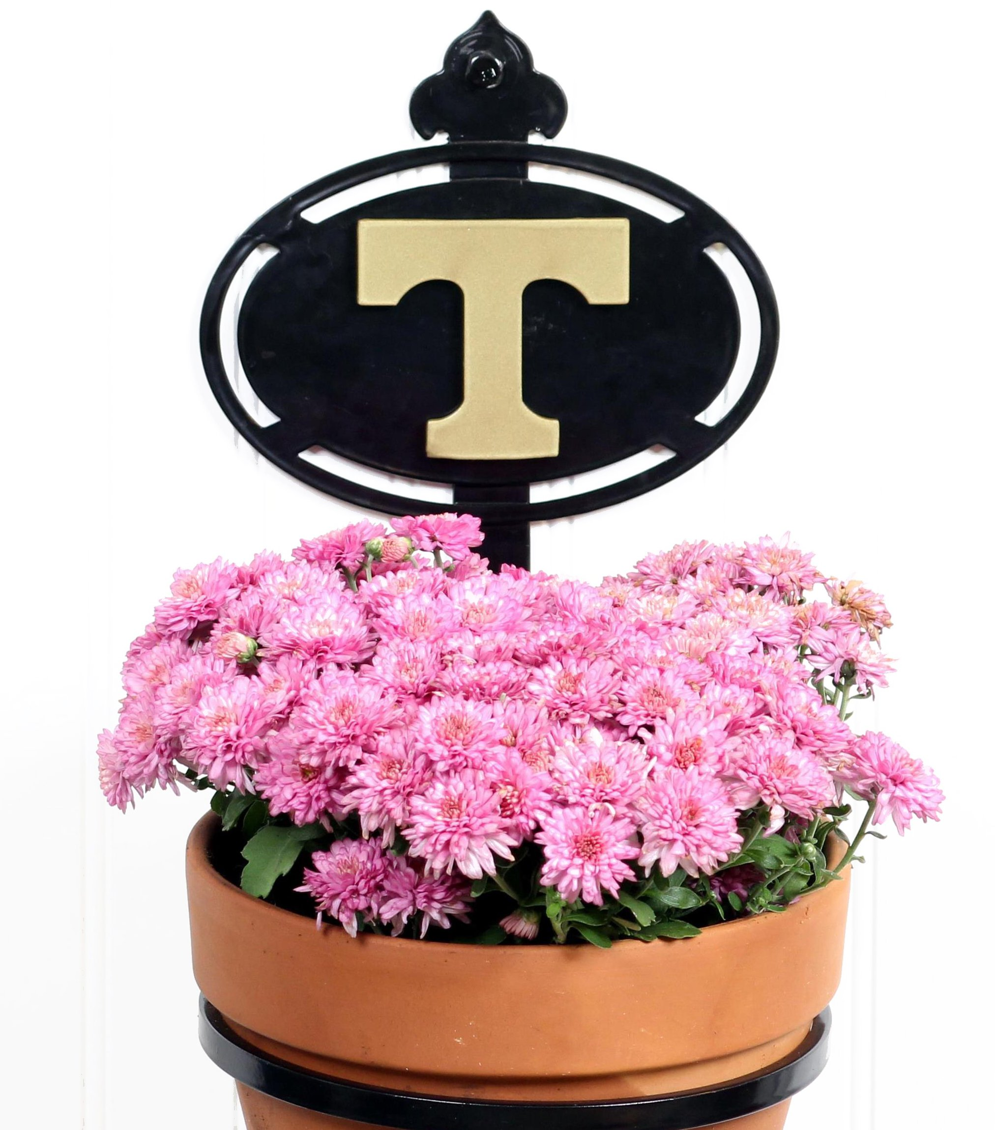 Henson Metal Works University of Tennessee Collegiate Logo Wall Mounted Flower Pot Holder