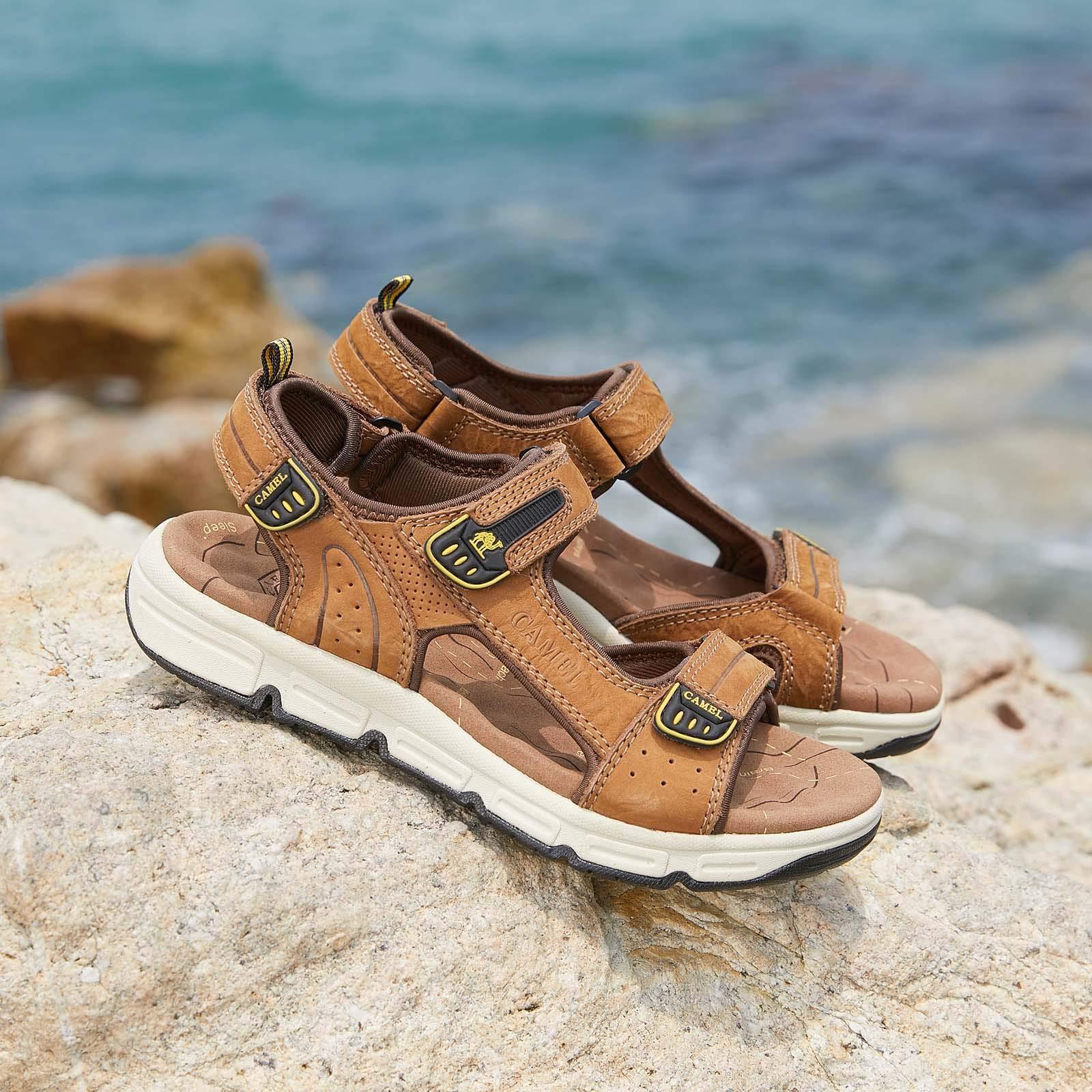 CAMEL CROWN Lightweight Leather Sandals for Men Strap Athletic Shoes Hiking Sandals for Walking Beach Outdoor Summer