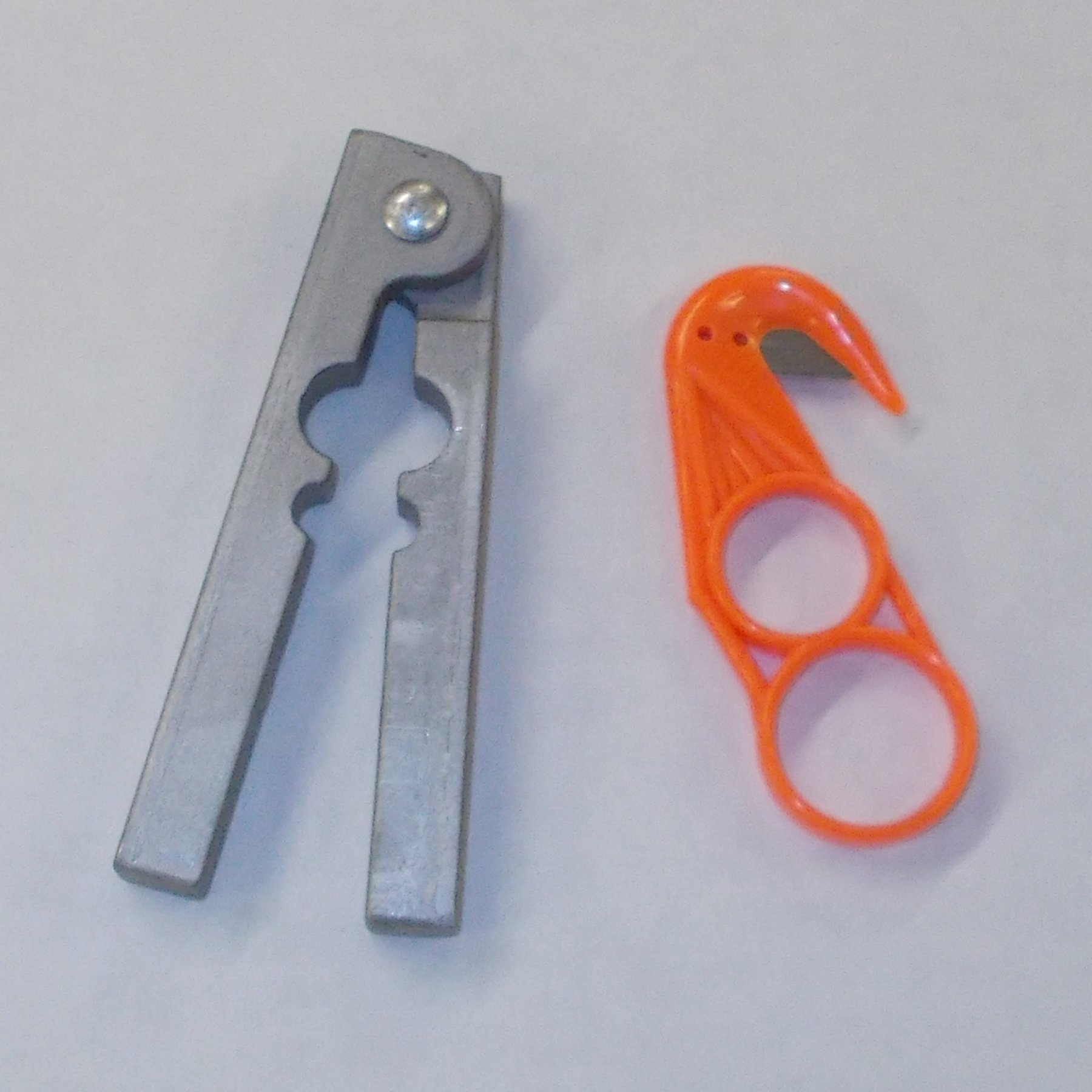 DakotaLine Aluminum Tail Stripper & Plastic Zipper by DakotaLine