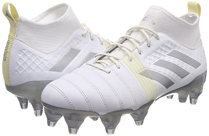 new products 481f5 f3a32 Amazon.com  adidas Kakari X Kevlar Rugby Boots  Rugby